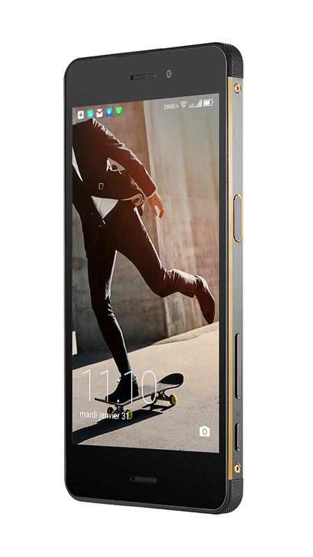 Smartphone HISENSE resistant eau et poussière C30 Rock 4G FHD IP68/IK04 (photo)